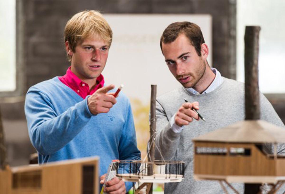 team van ervaren bouwers
