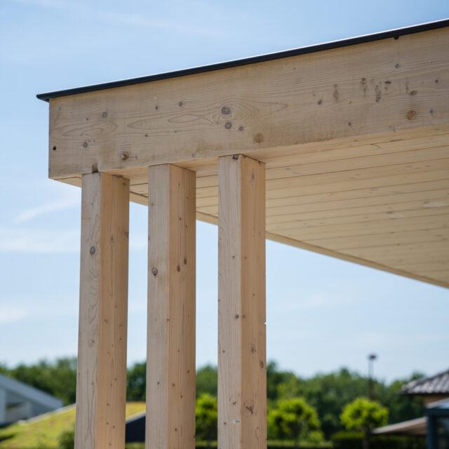 Poolhouse, tuinberging, houten bijgebouw