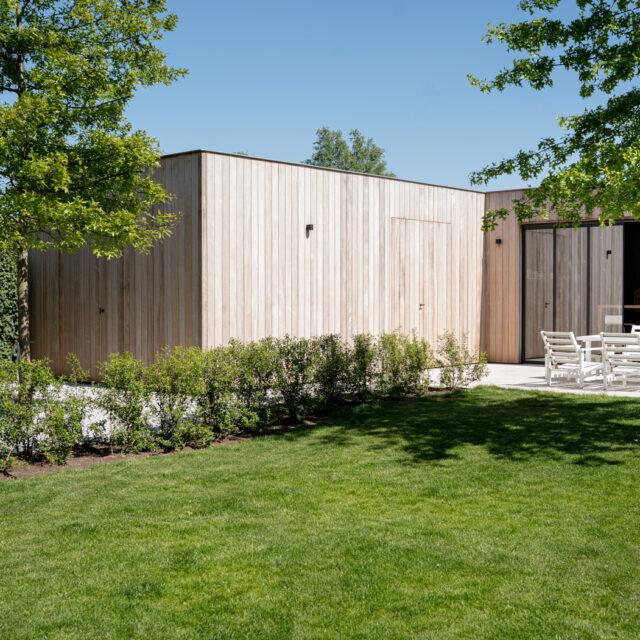 poolhouse, houten bijgebouw, berging, garage, buitenkeuken